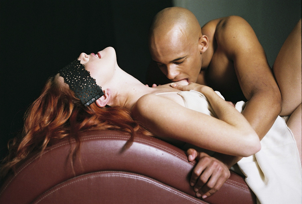 interracial-black-male-dominant-submissive-female