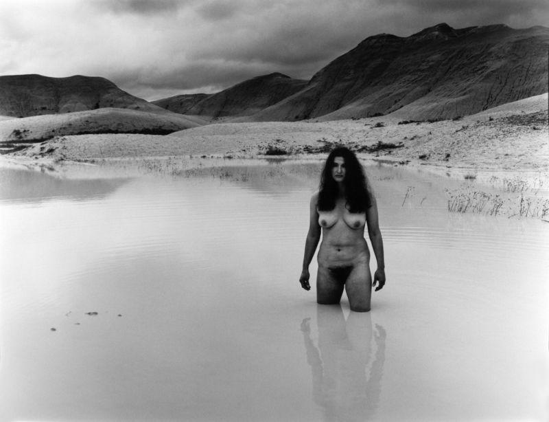08-Self portrait in white water 1982 (1)